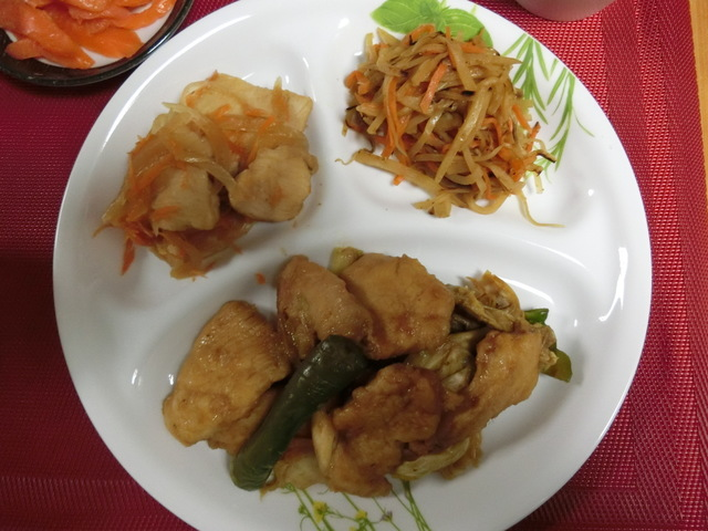 3/27の夕食 鶏むね肉の回鍋肉、鶏肉の南蛮漬け、大根のきんぴら