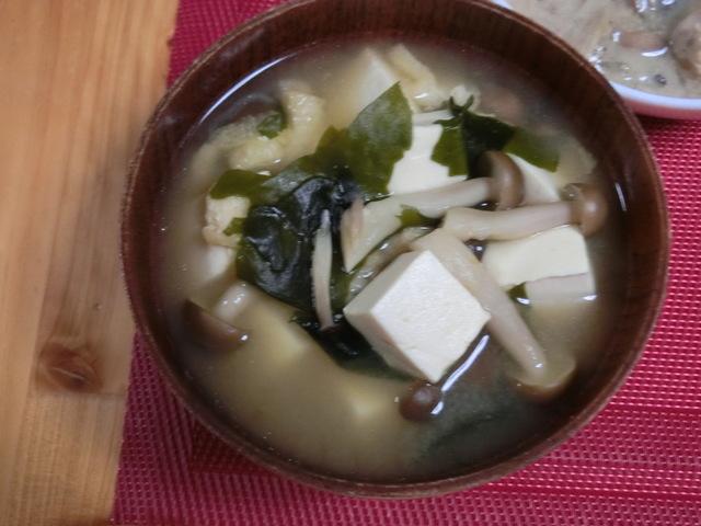 6/3の夕食 豆腐とわかめの味噌汁